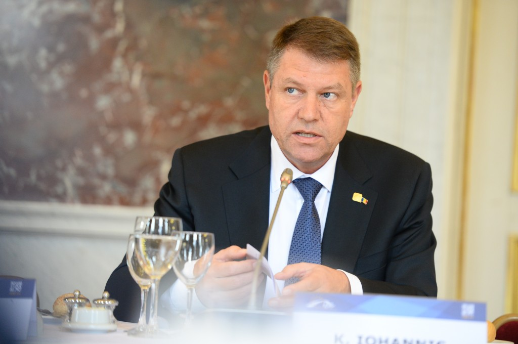Klaus_Iohannis_at_EPP_Summit,_March_2015,_Brussels (1)